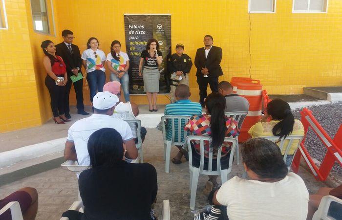 Na tentativa de combater o trabalho infantil a Polícia Rodoviária Federal (PRF) realizou um alerta sobre essa realidade em Igarassu. Foto: Divulgação/PRF