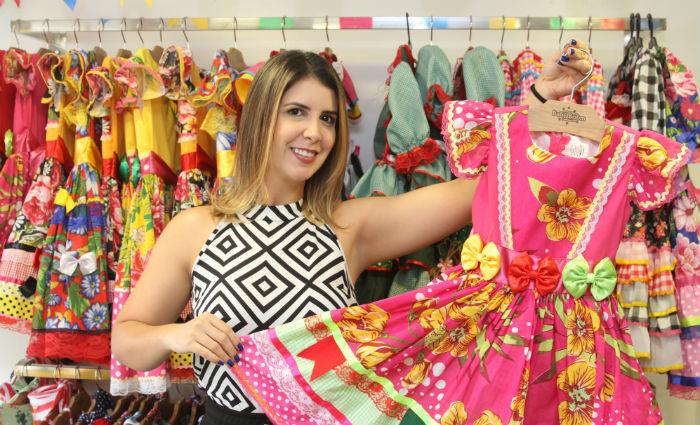Laila Melo investe em coleção exclusiva para os festejos juninos e espera crescimento de 20% no período. Foto: Nando Chiappetta/DP