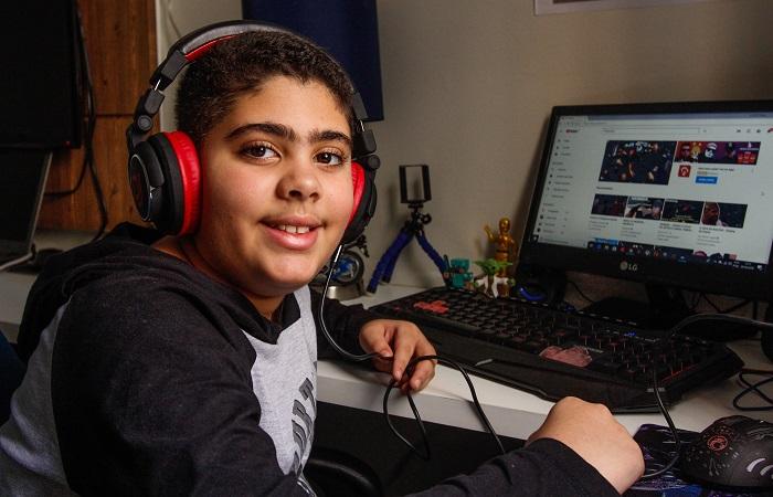 João Gabriel mantém um canal que foca nos games e já tem 40 mil visualizações. Foto: Thalyta Tavares / Esp. DP