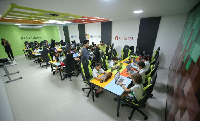 Salas de aula da Microsoft foram montadas pela empresa em escolas do estado. Foto: Roberta Patu/Divulgação