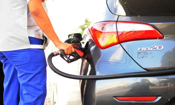 Caminhoneiros reivindicaram em maio a queda do valor da gasolina, mas preço tem subido. Foto: João Velozo/DP
