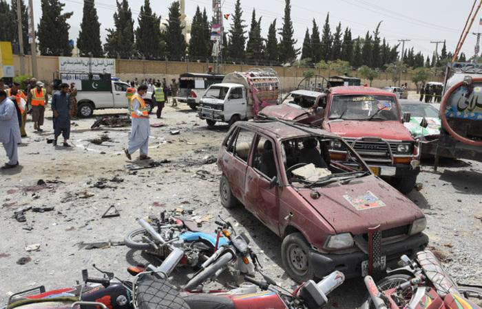 Na cidade de Qetta, um homem-bomba provocou a morte de pelo menos 30 pessoas e deixou dezenas de feridos. Foto: BANARAS KHAN / AFP