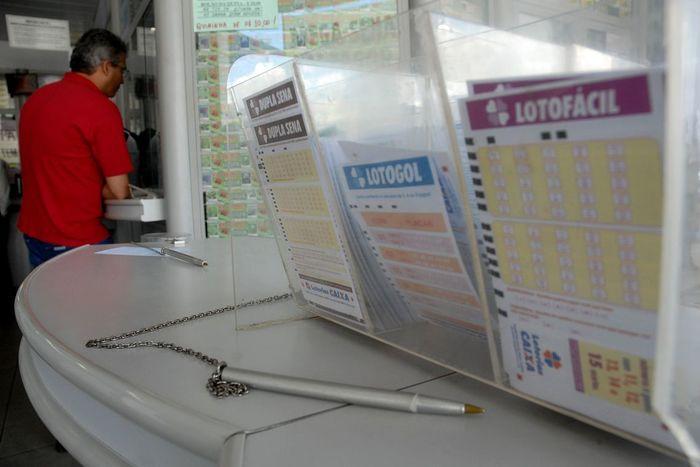 A expectativa é também aumentar a procura das mulheres, que representam apenas 15,5% do público apostador das casas lotéricas. Foto: Arquivo/Agência Brasil/Agência Brasil