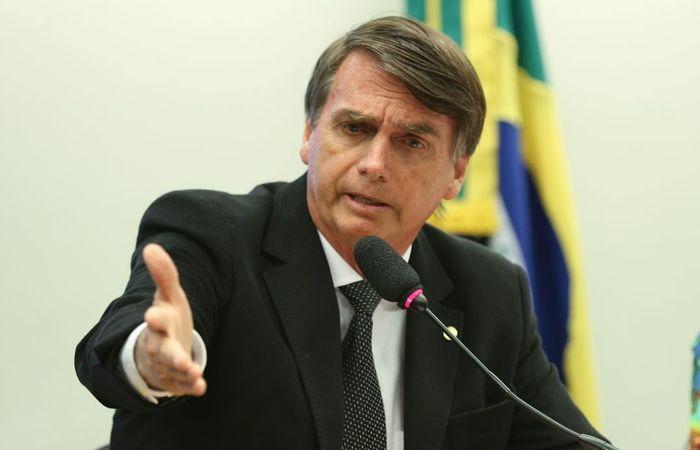 """Bolsonaro prometeu """"igualdade"""" ao afirmar que mulheres devem ter posse de arma para se defender. Foto: Fabio Rodrigues Pozzebom/ Agência Brasil"""