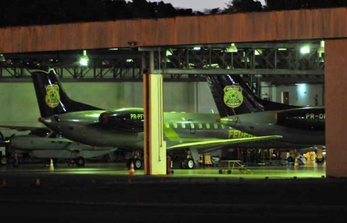 As aeronaves são do modelo ERJ 145, fabricadas por uma subsidiária da Embraer, e têm capacidade para transportar 50 passageiros, cada uma (foto: Arthur Menescal/Esp. CB/D.A Press)