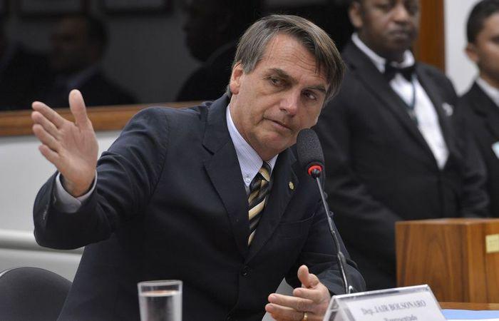 Bolsonaro conversou com jornalistas na manhã desta terça-feira (4), na Câmara. Foto: Wilson Dias/ Agência Brasil