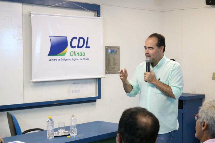 Lóssio teve reunião com empresários na CDL de Olinda. Foto: Raquel Elblaus/Divulgação
