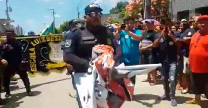 Sintepe denuncia que Guarda Municipal de Barreiros age com truculência contra protestos de profissionais da educação. Foto: Sintepe/Divulgação