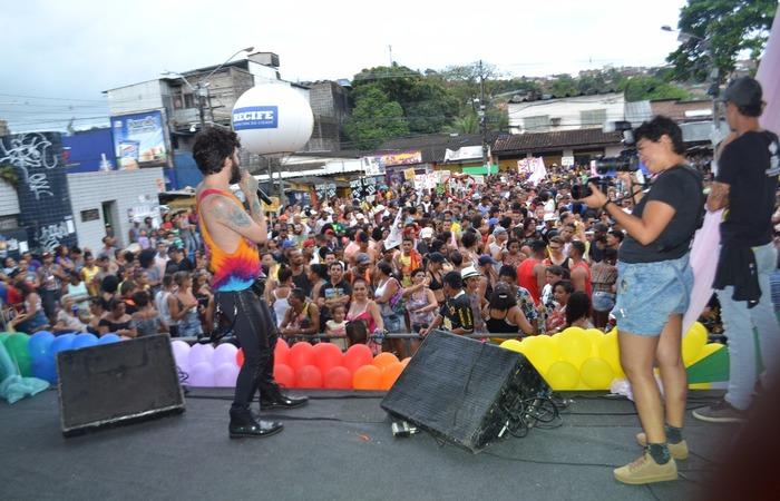 Juan Guiã no palco da 10ª Parada da Diversidade. Foto: Rafael Félix/Divulgação