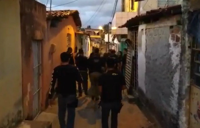 Equipes cumpriram mandados de prisão nesta manhã, no bairro de Santo Amaro. Imagem: Polícia Civil/Divulgação