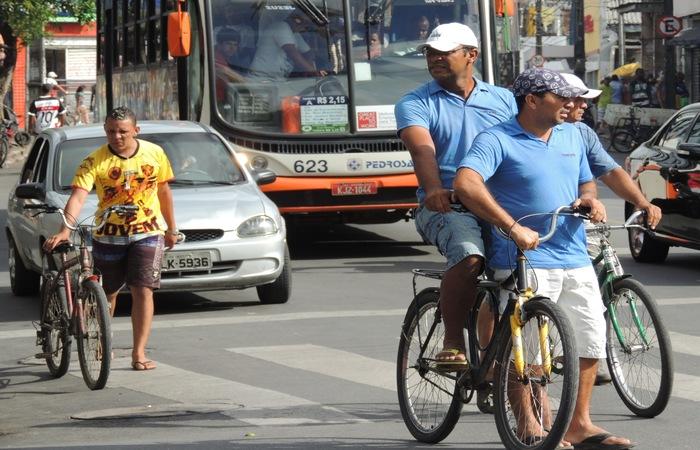 Desafio visa avaliar os melhores modais para o Recife, segundo tempo, gasto, dispêndio físico e poluição, entre outros. Foto: Acervo/Ameciclo