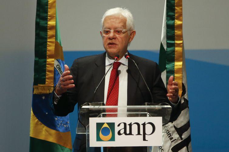 O ministro de Minas e Energia, Moreira Franco, defendeu preço justo e barato para os combustíveis. Foto: Tânia Rego/AgenciaBrasil