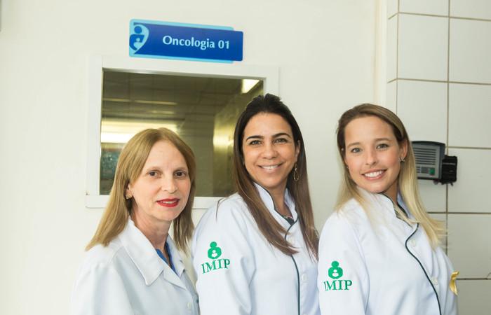 Equipe de saúde bucal do Imip, responsável pelo tratamento com laser na pediatria oncológica. Imagem: Camila Pifano/Esp DP