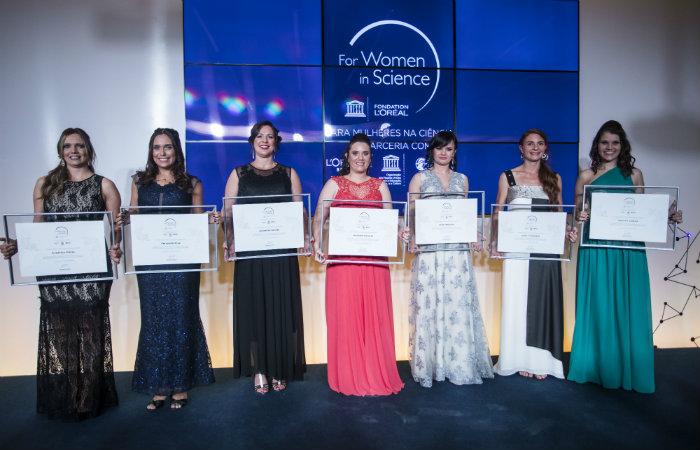 As sete vencedoras da  13ª edição do 'Para Mulheres na Ciência'. Foto: Divulgação