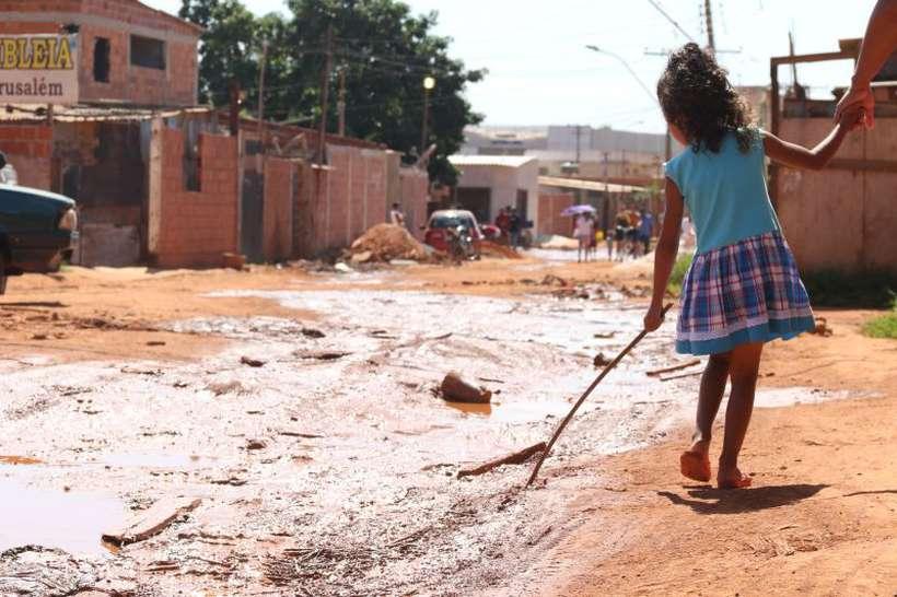 Falta de saneamento básico e contato com alimentos contaminados são a principal fonte de infecção. Foto: Rodrigo Nunes/Esp. CB/D.A Press