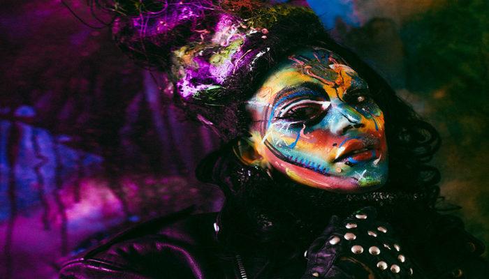 O episódio de abertura é marcado pela trajetória de Raphael Jacques, performer e interprete da Drag Queen Alma Negrot. Foto: Divulgação