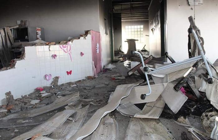Posto de saúde que atendia a comunidade indígena Povo Pankararu, localizado no sertão de Pernambuco, foi incendiado no domingo (28). Foto: Reprodução / Facebook