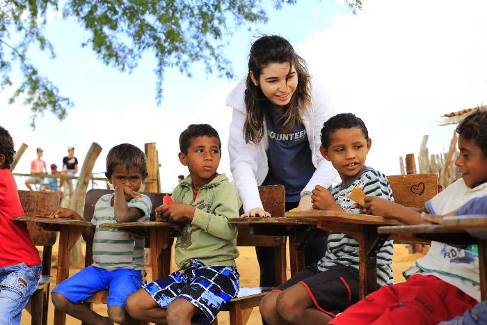 Programas permitem voluntariado também dentro do Brasil, como no Sertão de Pernambuco. Crédito: Ana Luiza Pira/Divulgação (Crédito: Ana Luiza Pira/Divulgação)