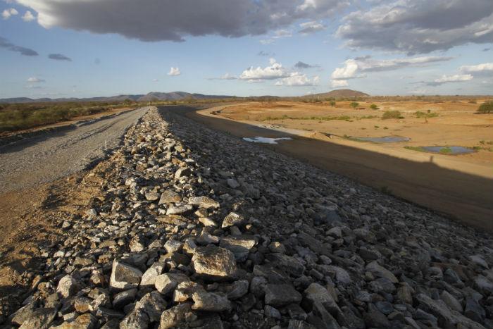 As obras da transposição tiveram início em 2007. Foto: Ricardo Fernandes/DP.
