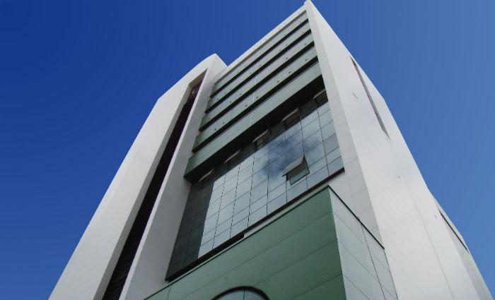 Edifício conta com 13 andares, sendo cinco para estacionamento, e 130 leitos. Foto: Unimed Recife/Divulgação