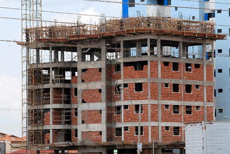Índice Nacional de Custo da Construção registrou inflação de 0,26% em novembro contra 0,33% de outubro. Foto: Arquivo/Antônio Cruz/Agência Brasil