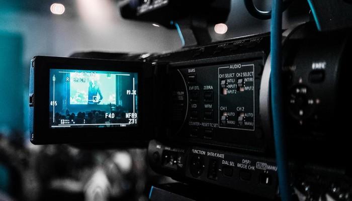 A bancada do TELA será formada por empresas como Paris Filmes, Galeria Distribuidora, Downtown Filmes, Canal Brasil entre outras. Foto: Pixabay