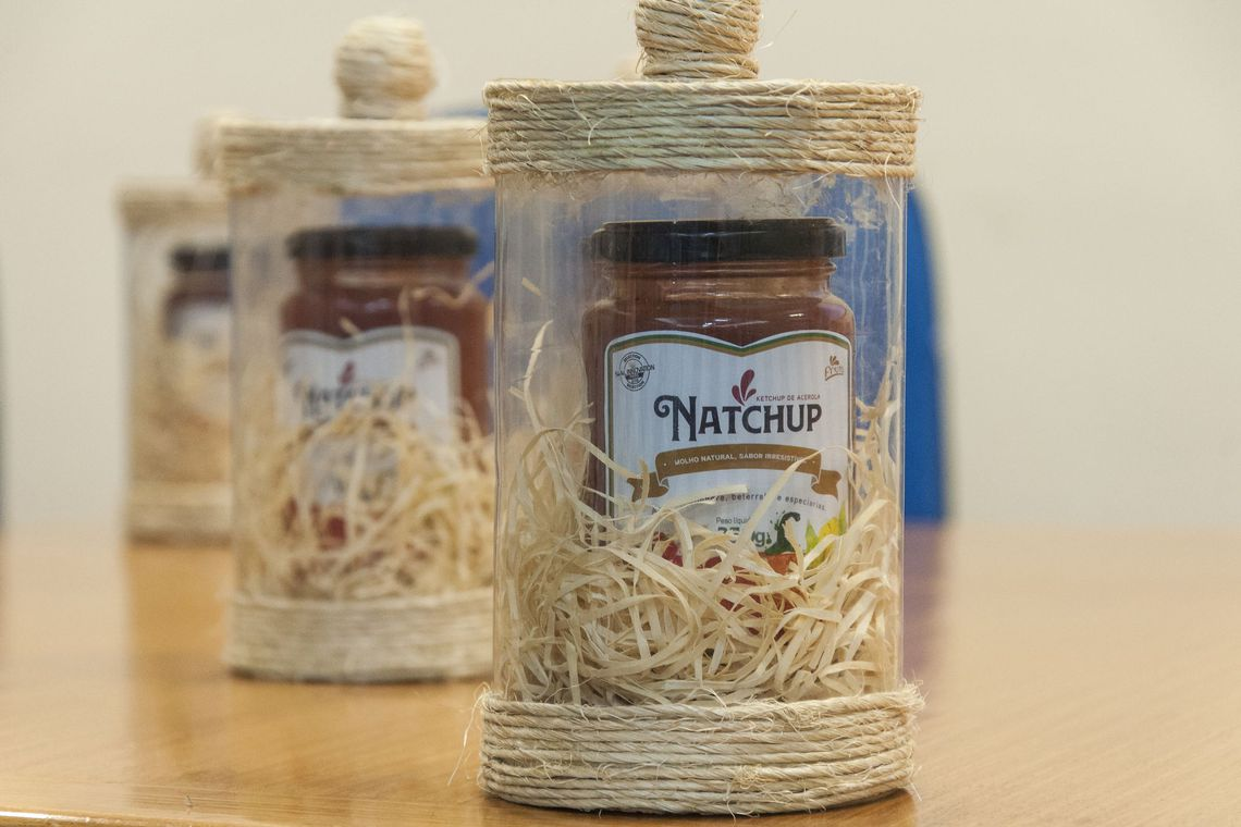 O Natchup é um dos dois alimentos brasileiros que receberam o selo Innovation Sial 2018, concedido em outubro durante o Salão Internacional de Alimentação (Sial), realizado em Paris (Foto: Viktor Braga/divulgação UFC)