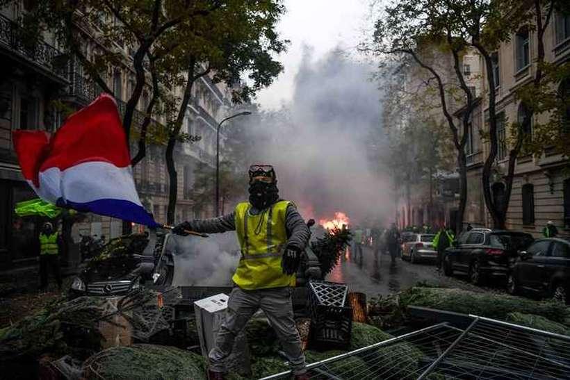 Por três fins de semana, os coletes amarelos promoveram manifestações que eclodiram há quatro dias. Foto: Alain JOCARD / AFP