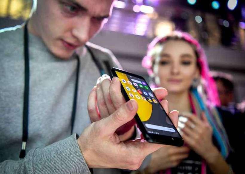 O primeiro smartphone Yandex, apresentado à imprensa nesta quarta, estará disponível a partir de quinta-feira na Rússia. Foto: Arquivo/AFP