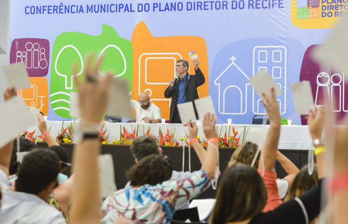 Debates com a população foram realizados ao longo de seis meses, culminando com a Conferência Municipal do Plano Diretor - Foto: Wesley D'Alemida/PCR/Divulgacao