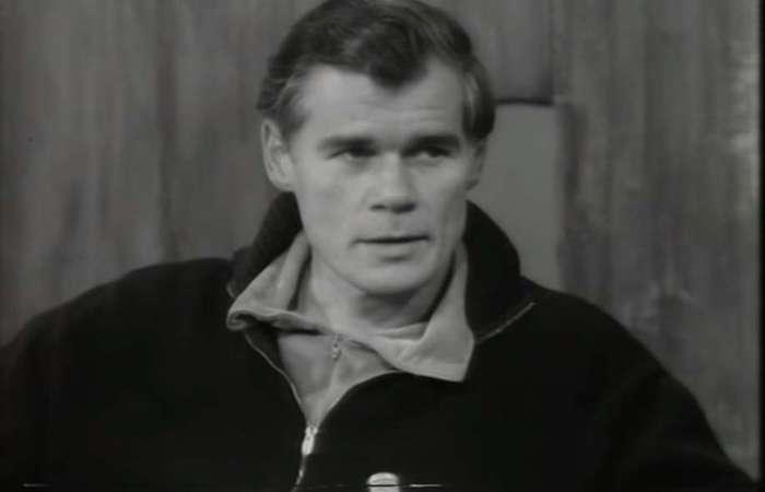 Galt McDermot aparece em entrevista concedida no ano de 1970, sobre seu mais famoso- e controverso- trabalho, o musical 'Hair'. Foto: Reprodução/Youtube