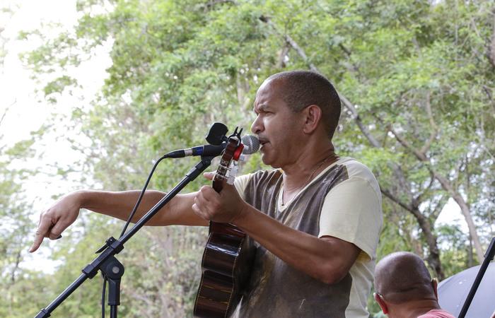 Cantor Biro do Cavaco. Foto: Marcos Santos/USP Imagens
