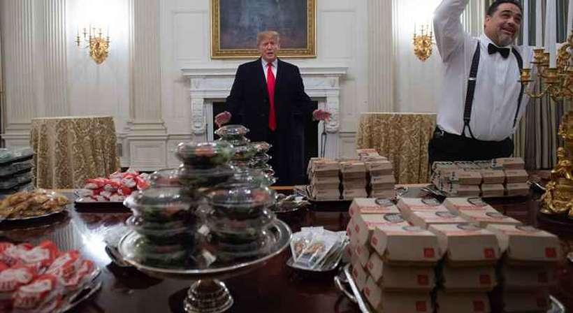 Diante da insistência de um jornalista sobre sua rede de fast food favorita, Trump se esquivou. Foto: Saul Loeb/AFP