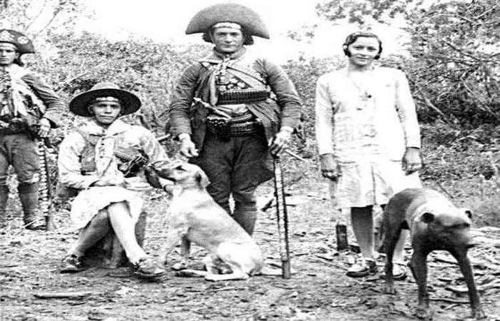 Lampião e o irmão Antônio chegam à Bahia para se incorporar ao Batalhão Patriótico do Juazeiro. Fotos: Lauro Cabral de Oliveira/Divulgação