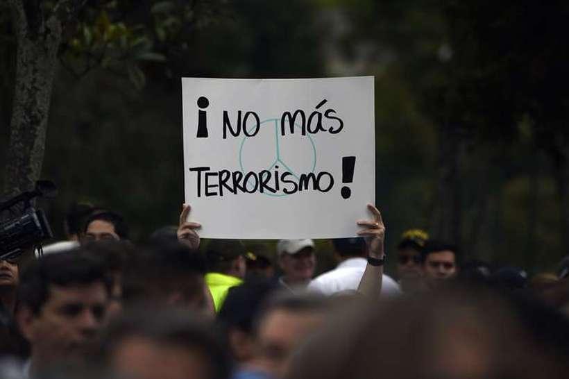 O atentado com carro bomba matou 20 estudantes da Escola de Cadetes da Polícia Nacional. Foto: Juan Barreto / AFP