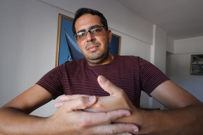 Paulo dos Santos sofreu um acidente de trabalho quando trabalhava em uma fábrica. Crédito: Nando Chiappetta/DP