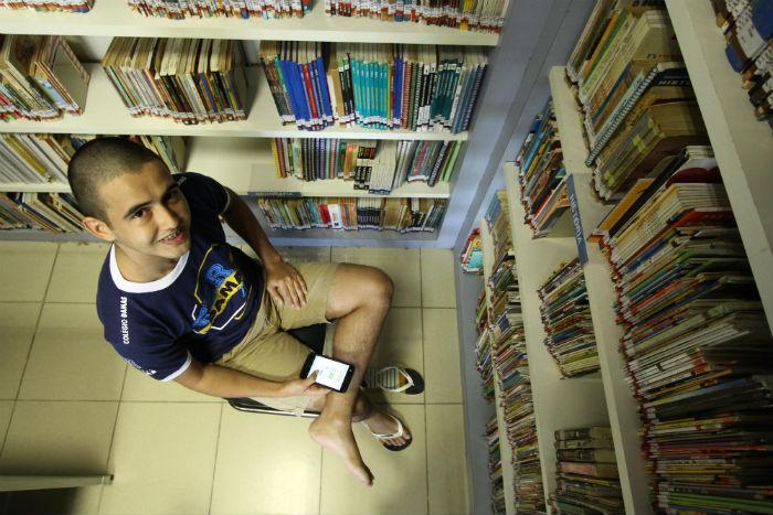 Guilherme Cavalcanti busca uma vaga em física ou no conjunto de engenharias da UFPE. Foto: Peu Ricardo/DP.