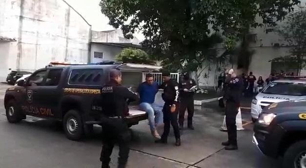 Pessoas suspeitas estão sendo levadas para o Depatri. Foto: divulgação/Polícia Civil