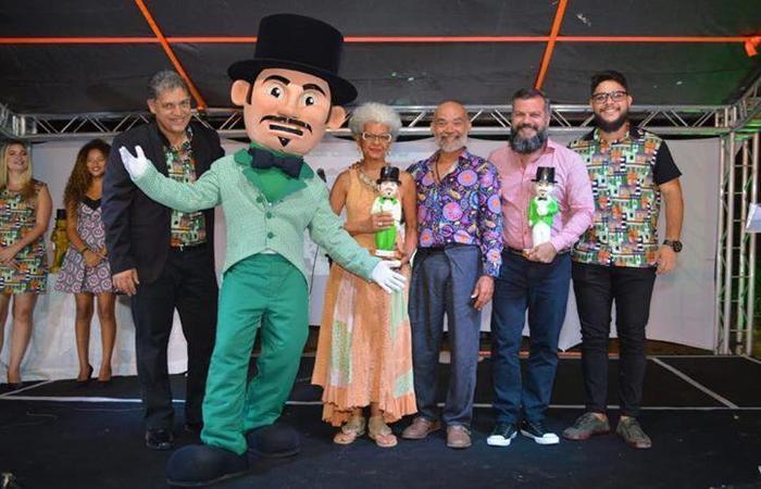 Homenageados pelo Calunguinha no prêmio Gigante Cultural. Foto: WhatsApp/Cortesia