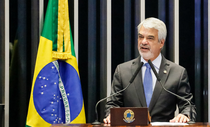 O parlamentar era líder da oposição ao governo Temer. Foto do Senado/ divulgação