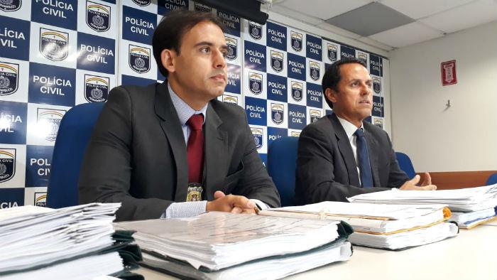 Delegado João Leonardo - Gestor da Divisão de Homicídios Metropolitana Norte e o delegado Nelson Souto - Diretor GCOE. Foto: Divulgação /Polícia Civil
