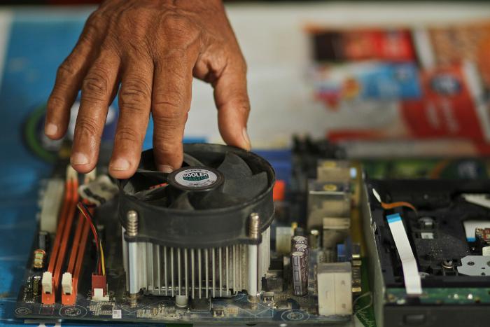 Descarte inadequado de lixo eletrônico é prejudicial ao meio ambiente. Crédito: Guilherme Verissimo
