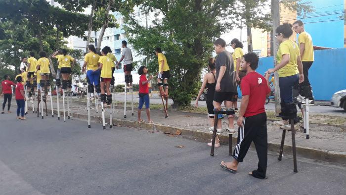 Instituição atende cerca de 100 crianças e adolescentes