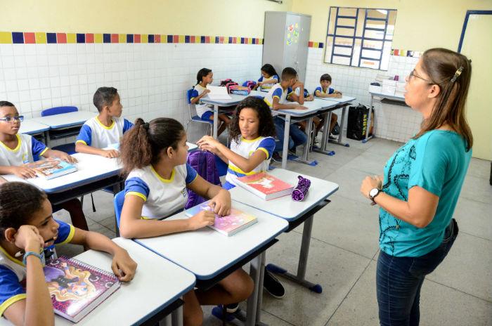 Volta às aulas nas redes municipais a partir de amanhã. Foto: Luciano F
