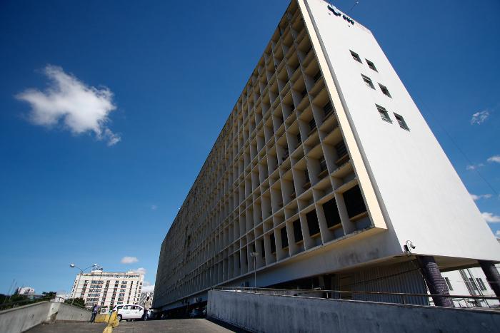 Uma das vítimas foi encaminhada para o Hospital da Restauração (HR). Crédito: Julio Jacobina/DP/D.A Press
