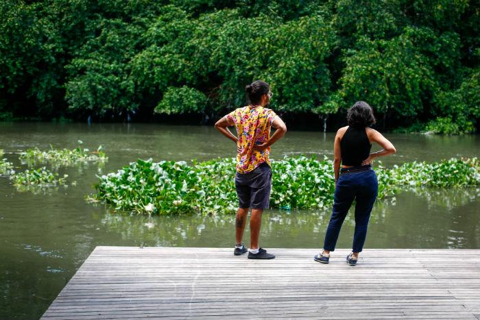 A capacidade do deque do Jardim do Baobá - que avança aproximadamente 12 metros na calha do rio - é para 30 pessoas. Foto: Léo Malafaia/Esp.DP.