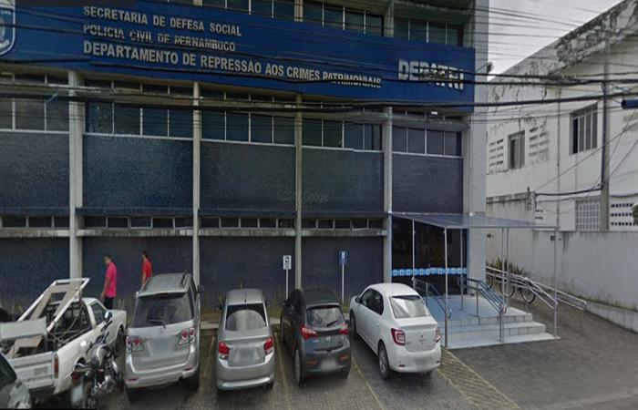 Várias pessoas foram ao Depatri nesta sexta fazer boletim de ocorrência. Foto: Reprodução /Google Maps