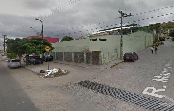Polícia segue em busca dos internos que fugiram. Crédito: Google Street View