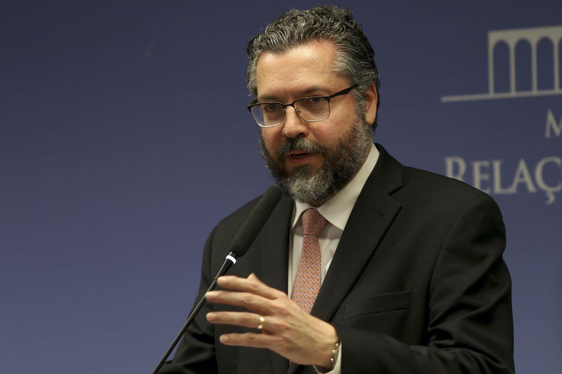 Araújo participa dia 25 de reunião que discutirá crise no país vizinho. Foto: Wilson Dias/Agência Brasil