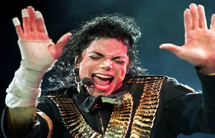 Jackson, que morreu em 25 de junho de 2009 depois de receber uma overdose do anestésico propofol, enfrentou várias acusações de abuso sexual infantil. Foto: STR / AFP